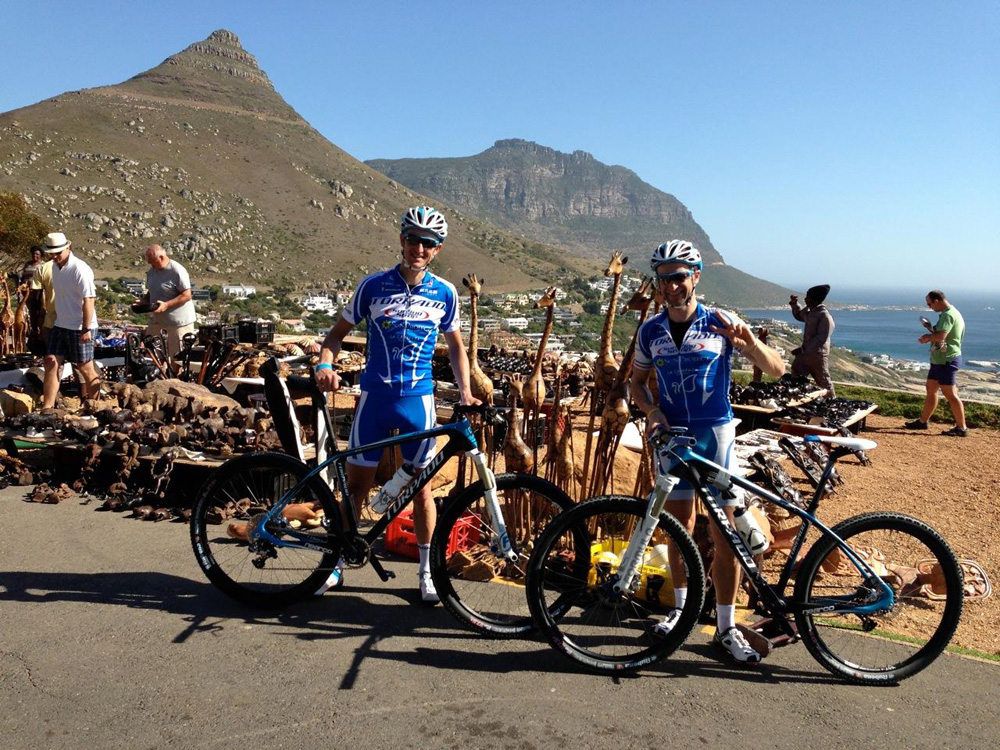 La coppia Torpado, Roel Paulissen e Yader Zoli, sui sentieri della Cape Epic