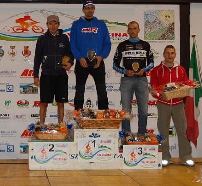 Due maglie di campione regionale marathon