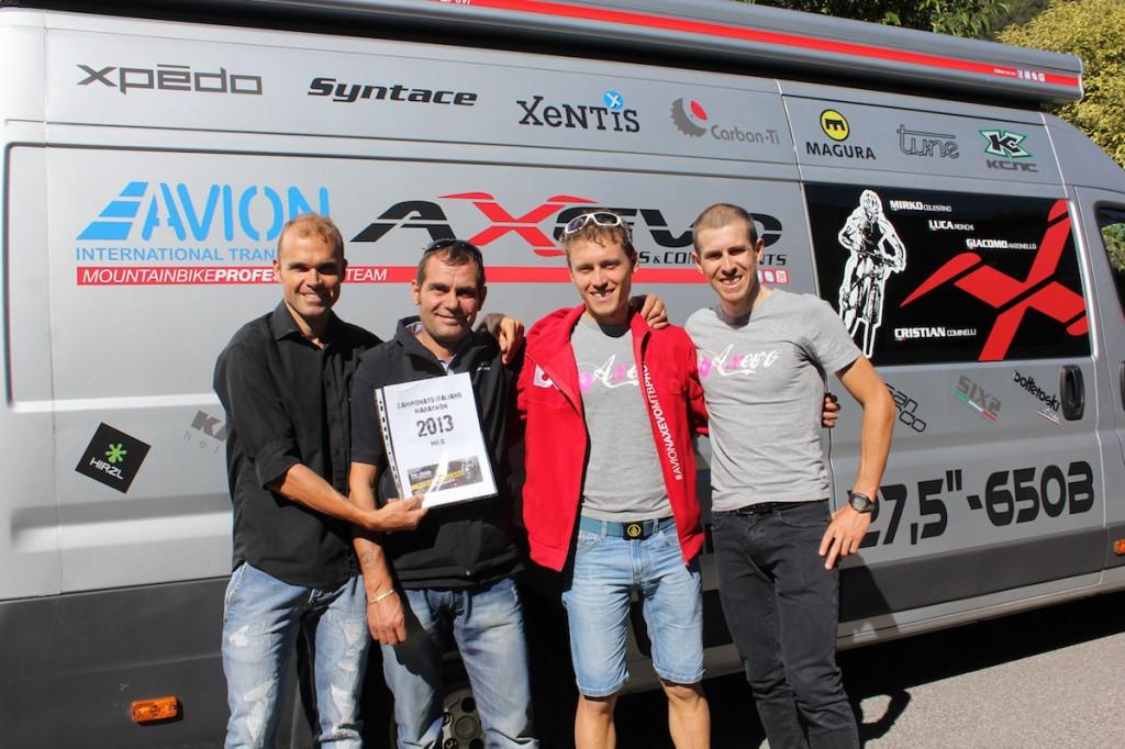 Mirko Celestino e tutto l'Avion Axevo sulla strada dell'Italiano Marathon 2013