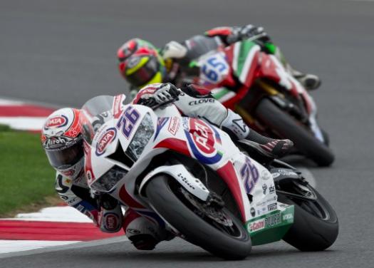 Superbike: Axevo scende in pista con Lorenzo Zanetti