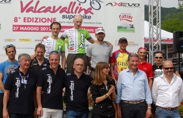 """Con la Valcavallinasuperbike Giupponi rafforza la maglia """"rosa"""""""