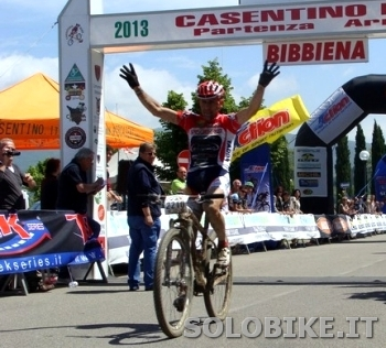 Francesco Casagrande conquista la 21a Casentino Bike.