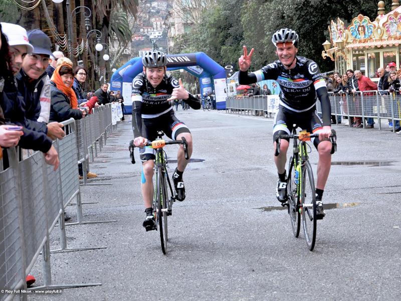 Straordinario debutto per il Team C-Performance Beraldo Cicli: Enrico Zen trionfa a La Spezia.