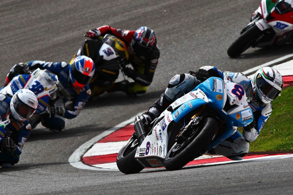 Andrea Antonelli raggiunge la TOP TEN del Mondiale Supersport 2012