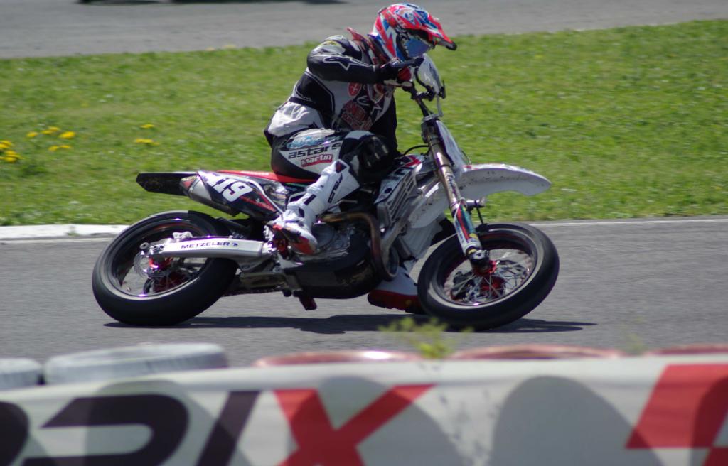Matteo Medizza (Supermoto) e Bryan Toccaceli (Motocross), nuovi piloti FRT Racing