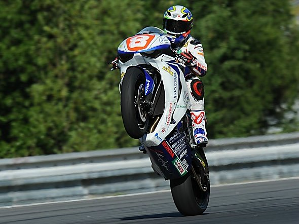 Andrea Antonelli vince la prestigiosa 6 ore di endurance sul circuito del Nurburgring