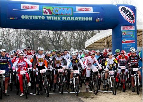 Orvieto Wine Marathon: la stagione inizia nel segno di Francesco Casagrande, nelle donne vittoria per Elena Gaddoni FRM Factory Racing Team